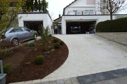 Umgestaltung Garagenvorplatz